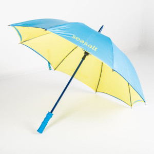 Colour matched handle Über Brolly Mini Golf branded umbrella